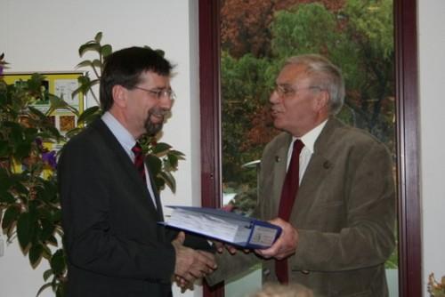 2009-11-03-sbz-unterschriften-uebergabe